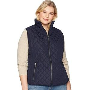 Avenue  black quilted sleevless vest size 18/20